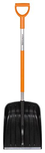Fiskars Schneeschaufel für kleine Schneemengen, Blattbreite: 35 cm, Kunststoff-Blatt/Aluminium-Stiel, Schwarz/Orange, SnowXpert, 1003468